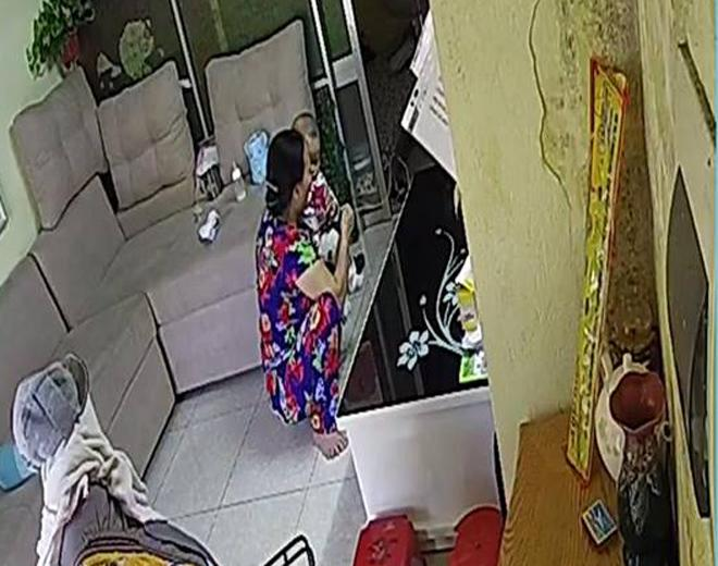 Người giúp việc liên tục nhổ nước bọt vào miệng bé trai 6 tháng tuổi vì… gắt ngủ-2