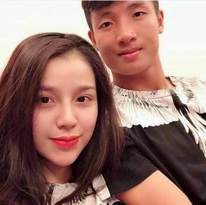 Những cô người yêu nổi bật ở AFF Cup 2018: Bạn gái Duy Mạnh khoe sắc cùng nhà vô địch Pencak Silat thế giới-5
