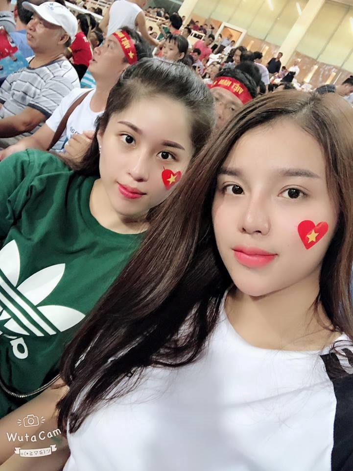 Những cô người yêu nổi bật ở AFF Cup 2018: Bạn gái Duy Mạnh khoe sắc cùng nhà vô địch Pencak Silat thế giới-6