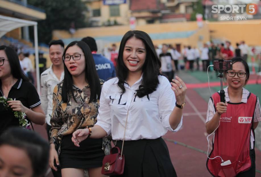 Những cô người yêu nổi bật ở AFF Cup 2018: Bạn gái Duy Mạnh khoe sắc cùng nhà vô địch Pencak Silat thế giới-7
