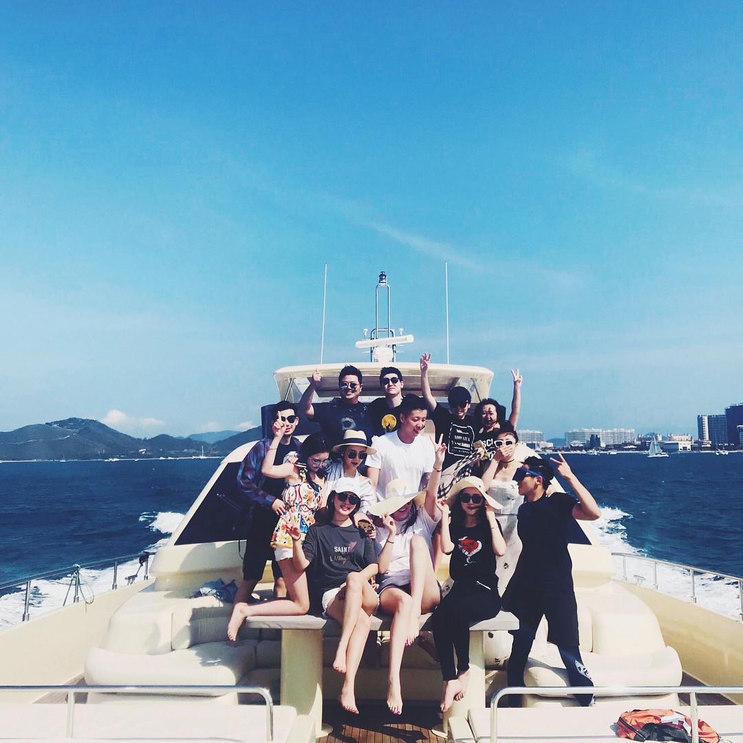 Ở Trung Quốc có hội bạn thân toàn tiểu thư trâm anh thế phiệt, xinh đẹp và tất nhiên, rất giàu có!-32