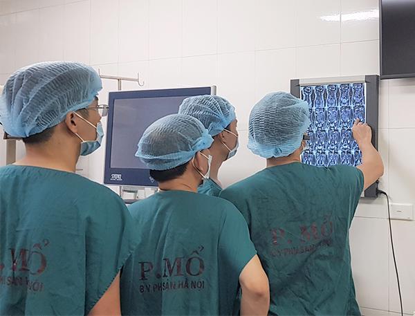 Mẹ bầu Hà Nội nhập viện vì ra máu, bác sĩ siêu âm khắp tử cung... không thấy thai-1