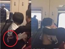 Tranh cãi quanh clip bố sờ soạng con gái trên tàu: Cảnh sát tuyên bố không phải quấy rối, luật sư lên tiếng phản bác