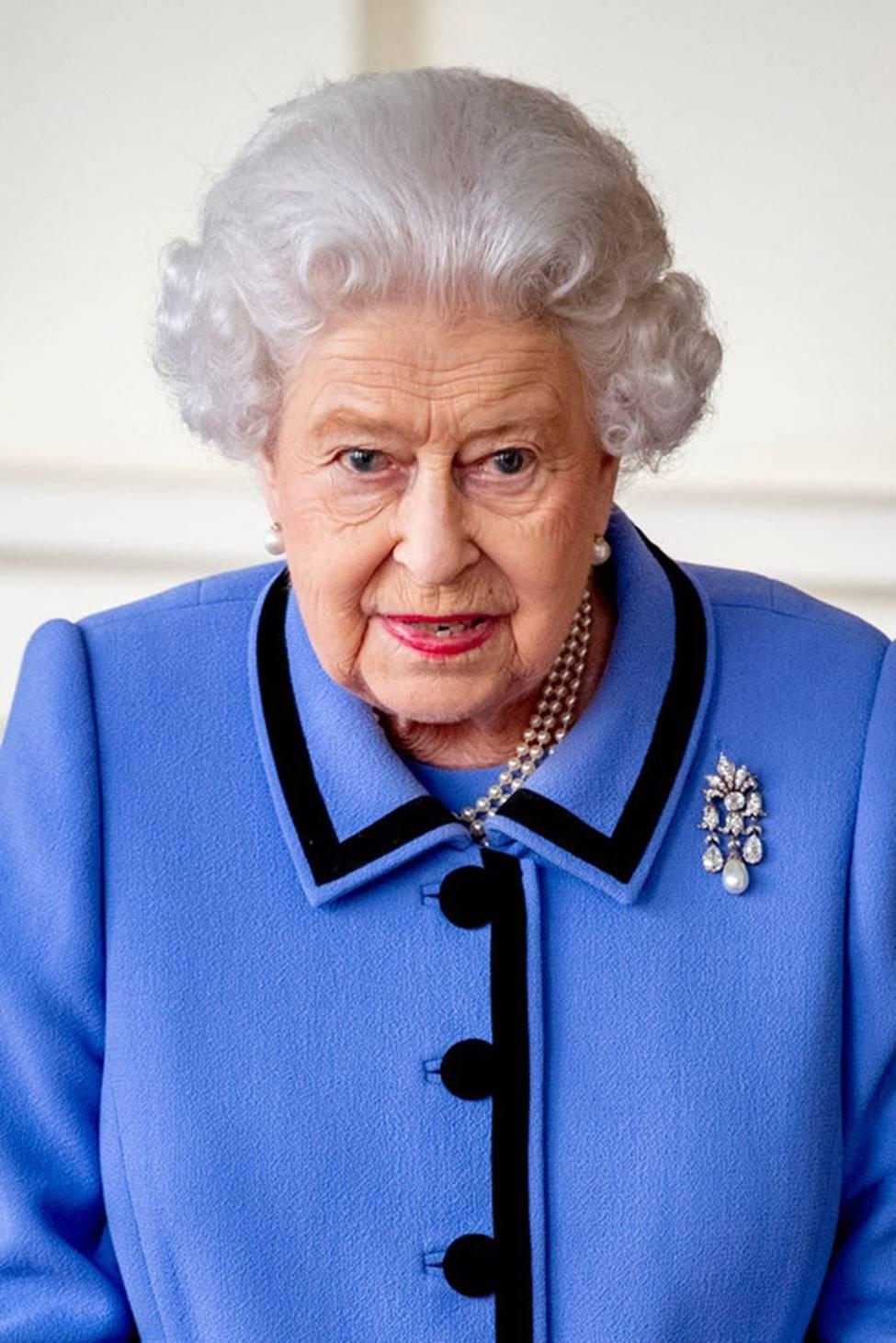 Người hâm mộ xôn xao trước tin Nữ hoàng Anh khó chịu khi Meghan dụ dỗ chồng rời bỏ tước vị vì lý do này-2