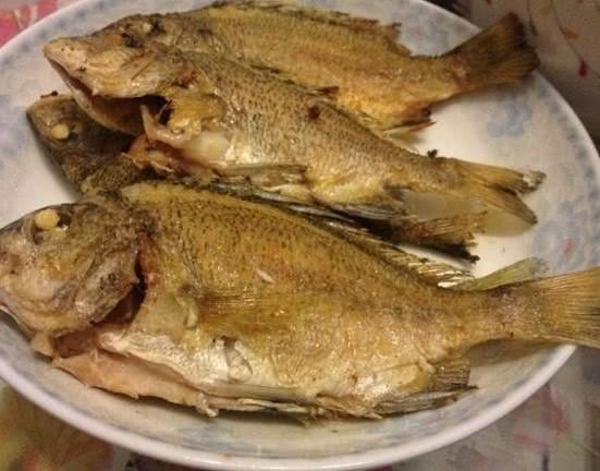 Chỉ với 3 bước đơn giản này, món cá rán tôi làm hoàn toàn không bị tanh, không bị dính chảo-1
