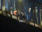 Vụ xe Mercedes đâm sập vào cầu rơi xuống sông Hồng: Đã xác định được danh tính nạn nhân thứ 2-4