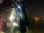 Người cầm lái chiếc xe Mercedes đâm sập lan can cầu Chương Dương rơi xuống sông Hồng không phải chủ xe-3