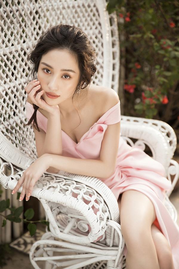 Jun Vũ khoe vẻ đẹp mong manh nhưng đầy quyến rũ với đường cong hút mắt-10