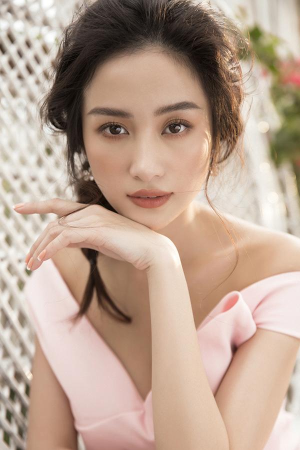 Jun Vũ khoe vẻ đẹp mong manh nhưng đầy quyến rũ với đường cong hút mắt-11
