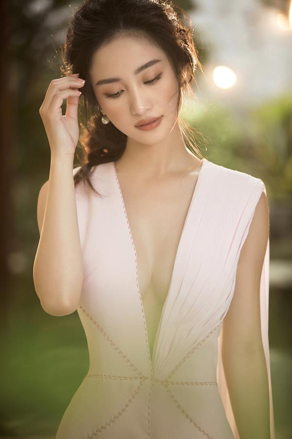 Jun Vũ khoe vẻ đẹp mong manh nhưng đầy quyến rũ với đường cong hút mắt-5