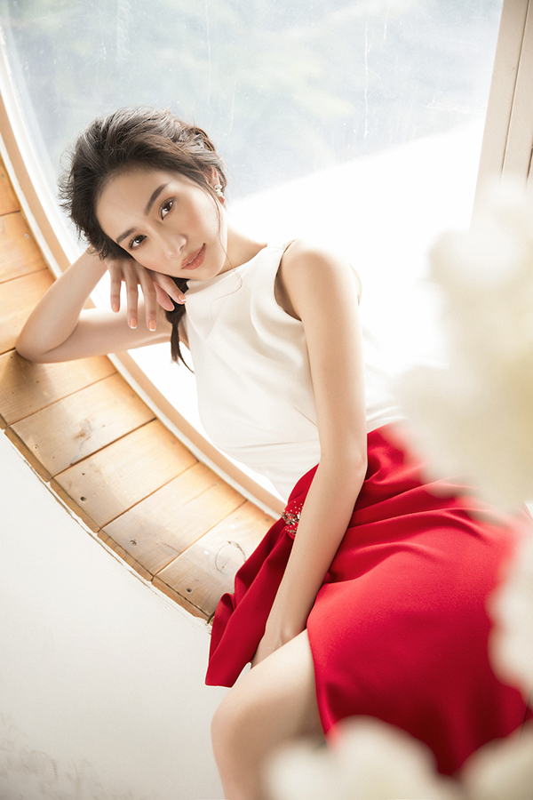 Jun Vũ khoe vẻ đẹp mong manh nhưng đầy quyến rũ với đường cong hút mắt-6