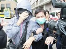 Chị gái Lam Khiết Anh khóc ngất, phải có người dìu đi, anh trai tiều tụy sau khi nhận thi thể em gái