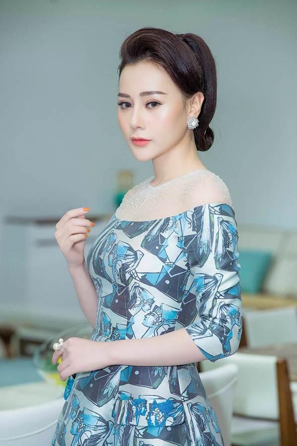 Hậu thẩm mỹ, Phương Oanh Quỳnh Búp bê tự tin khoe sắc bên Việt Anh-3