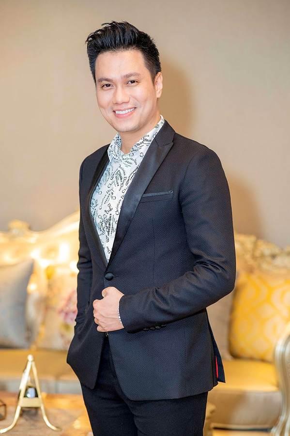 Hậu thẩm mỹ, Phương Oanh Quỳnh Búp bê tự tin khoe sắc bên Việt Anh-6
