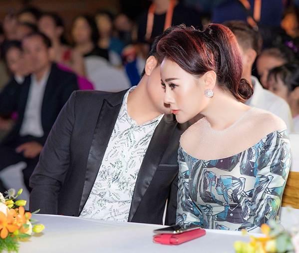 Hậu thẩm mỹ, Phương Oanh Quỳnh Búp bê tự tin khoe sắc bên Việt Anh-7