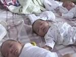 Ca sinh ba đặc biệt có 2 bé dính liền, chào đời với cân nặng chưa đầy 1kg đã bị mẹ bỏ rơi và 16 năm sau nhìn lại ai cũng mỉm cười-9