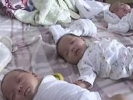 Mẹ đem 3 con sinh ba kháu khỉnh rao trên mạng, lý do đằng sau khiến ai cũng thương xót