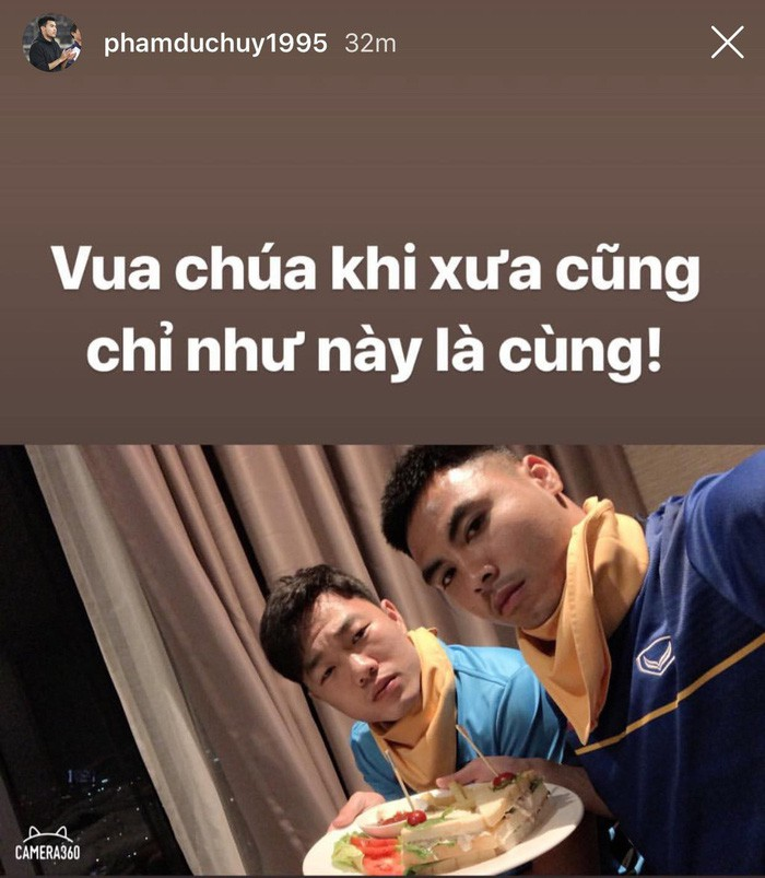 Thực hư chuyện cầu thủ Việt Nam bị thu hết điện thoại khi tới Lào đá trận mở màn AFF Cup 2018-3