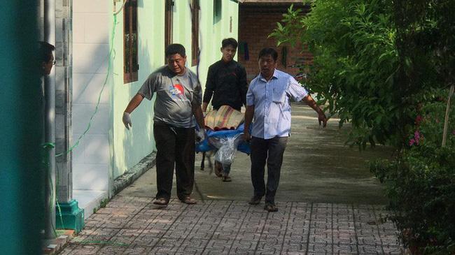 """Phát hiện vợ mây mưa"""" với trai lạ trong nhà nghỉ ở Sài Gòn, người đàn ông lao vào đâm chết tình địch-1"""