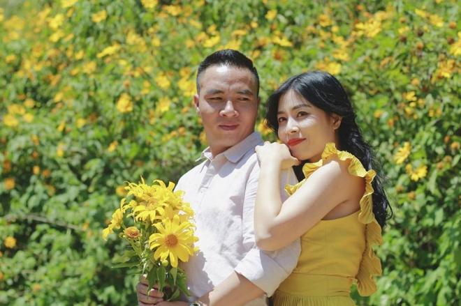 MC Hoàng Linh lại diễn cảnh tình cảm bên bạn trai giữa cánh đồng hoa Đà Lạt-4