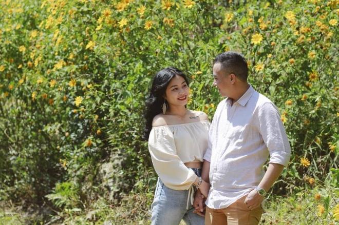 MC Hoàng Linh lại diễn cảnh tình cảm bên bạn trai giữa cánh đồng hoa Đà Lạt-5