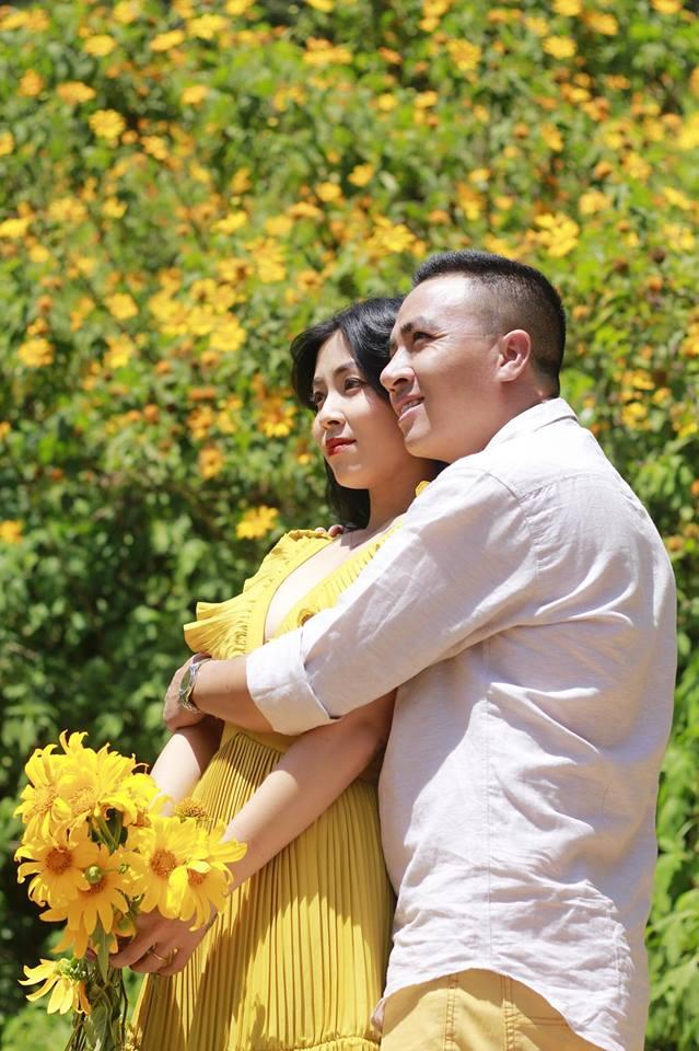 MC Hoàng Linh lại diễn cảnh tình cảm bên bạn trai giữa cánh đồng hoa Đà Lạt-7