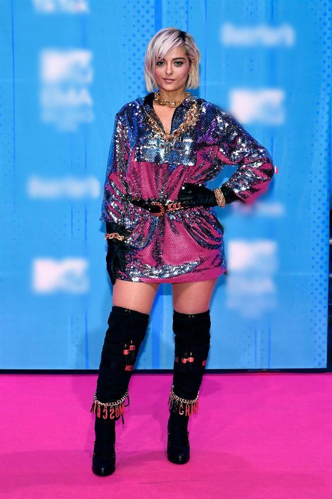 Những bộ trang phục thừa lồng lộn nhưng thảm họa nhất tại lễ trao giải MTV EMA 2018-11