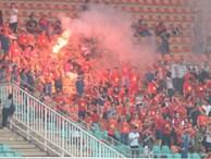 CĐV quá khích làm xấu mặt bóng đá Việt Nam trước thềm AFF Cup