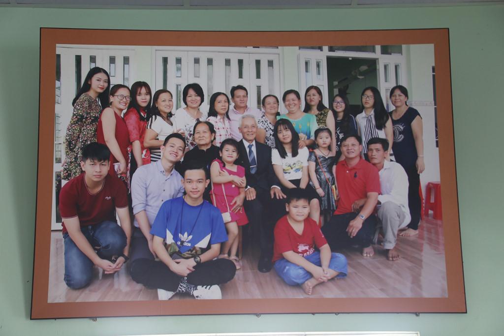 Gia cảnh Hoa hậu Phương Khánh ở Bến Tre: Cha mẹ ly hôn, học trễ 2 năm-3