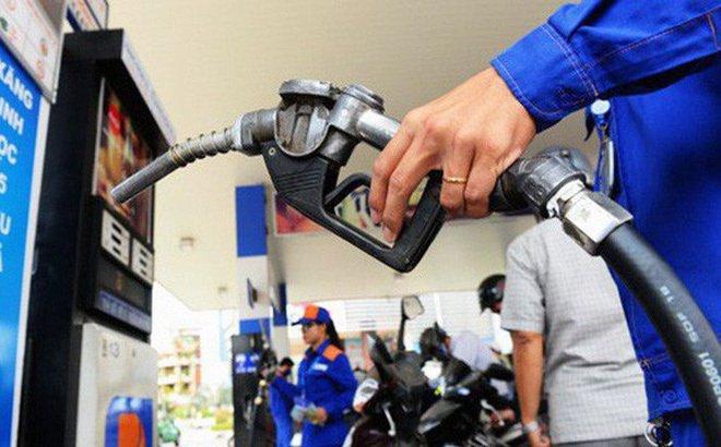 Chiều nay, giá xăng giảm mạnh nhất từ đầu năm-1