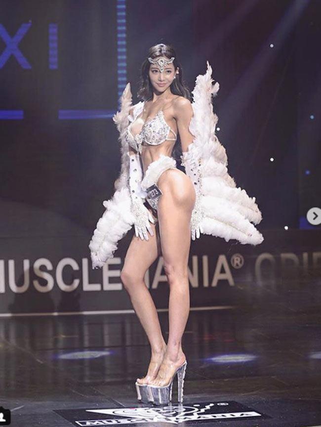 2 mỹ nữ nổi nhất phòng gym Hàn quá hấp dẫn với rãnh hông hiếm có khó tìm-4
