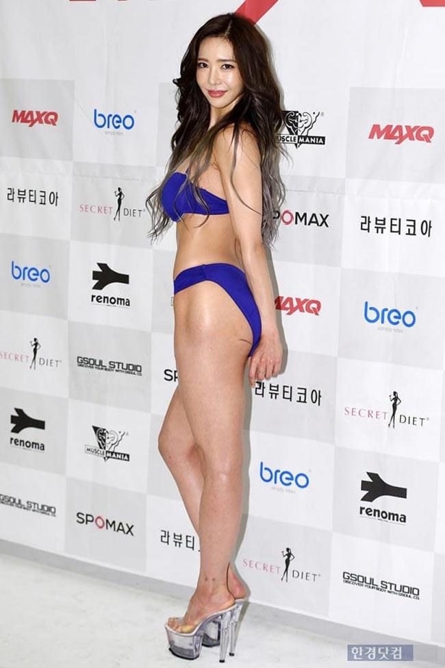 2 mỹ nữ nổi nhất phòng gym Hàn quá hấp dẫn với rãnh hông hiếm có khó tìm-10