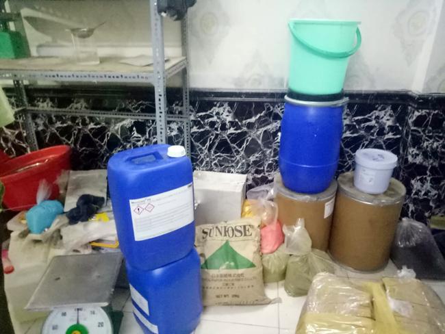 Bí mật gây sốc trong hàng ngàn chai mỹ phẩm trắng da cho nữ ở Sài Gòn-2