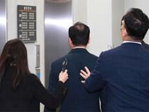 Thầy giáo Hàn Quốc bị bắt vì lấy trộm đề thi cho 2 con gái