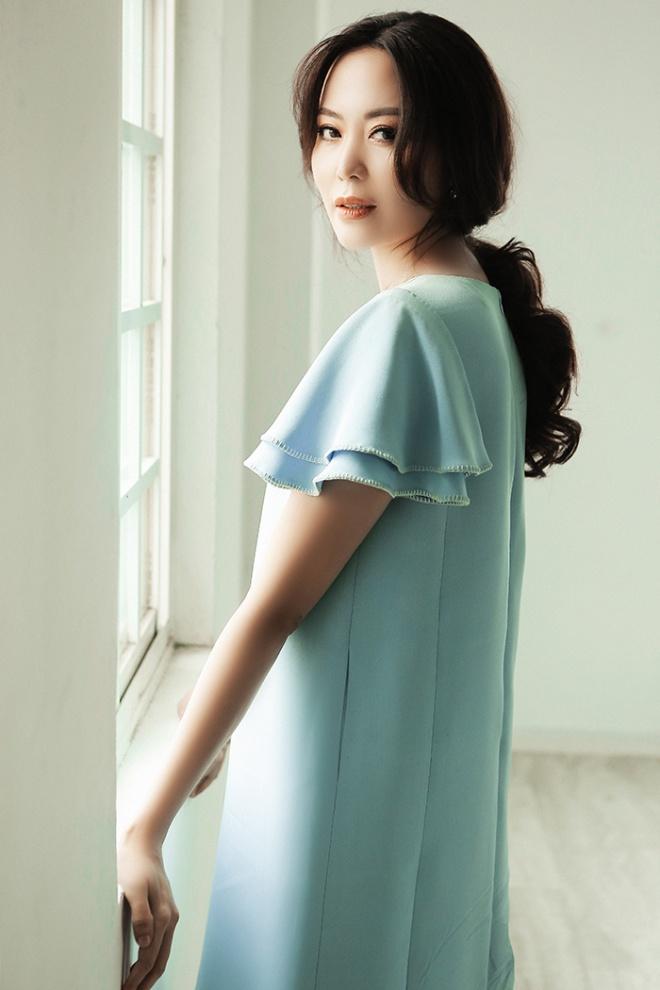 Hoa hậu Thu Thủy đẹp rực rỡ ở tuổi 43-15