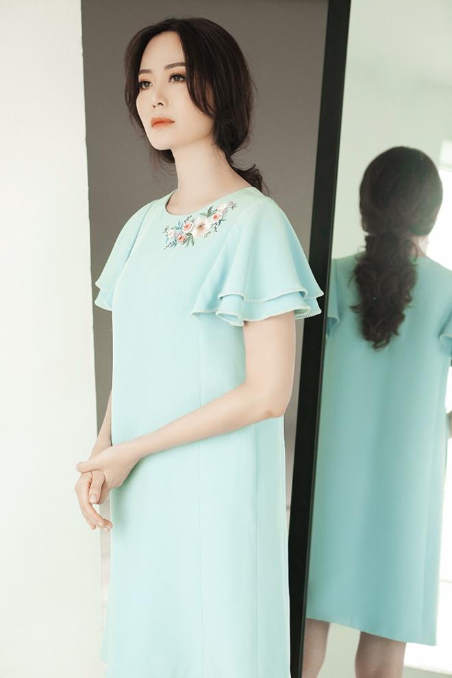 Hoa hậu Thu Thủy đẹp rực rỡ ở tuổi 43-17