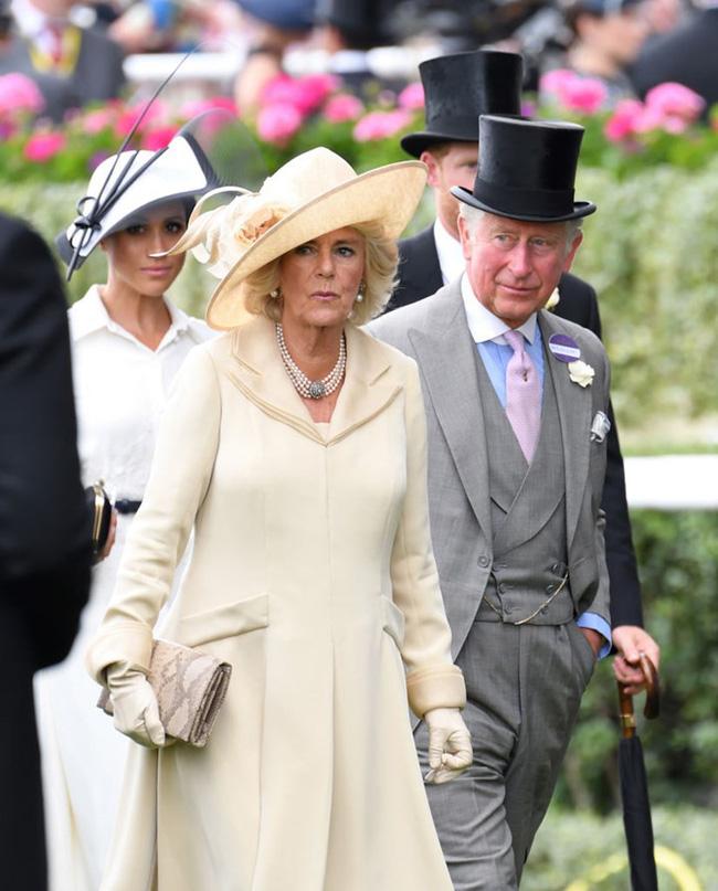 Báo Mỹ gây sốc khi tiết lộ bà Camilla tống tiền Thái tử Charles tại nhà riêng, đe dọa sẽ tiêu diệt Hoàng gia Anh-2