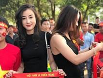 Tìm ra nữ cổ động viên HOT hơn cả chiến thắng 3 - 0 trong ngày đầu ra quân của đội tuyển Việt Nam tại AFF Cup 2018