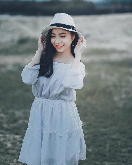 Bạn gái Quang Hải diện áo tắm, khoe thân hình nóng bỏng-1