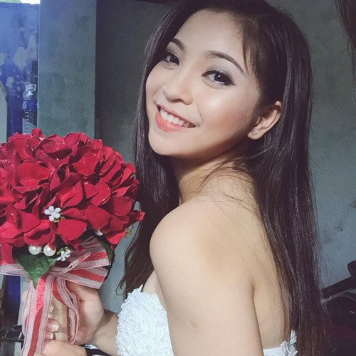 Bạn gái Quang Hải diện áo tắm, khoe thân hình nóng bỏng-2