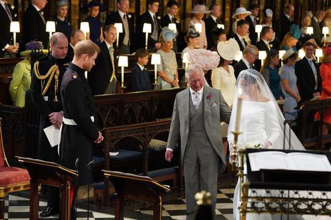 Trước tin đồn Công nương Kate ngăn cấm các con gần gũi Thái tử Charles, William đã lên tiếng giải thích như thế này đây-2