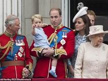 Trước tin đồn Công nương Kate ngăn cấm các con gần gũi Thái tử Charles, William đã lên tiếng giải thích như thế này đây