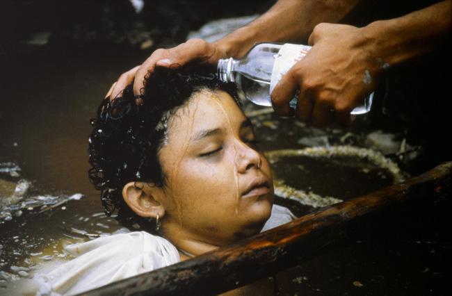 Bi kịch của Omayra Sanchez và đôi mắt đen hấp hối vẫn ám ảnh cả thế giới dù cho đã 33 năm trôi qua-6