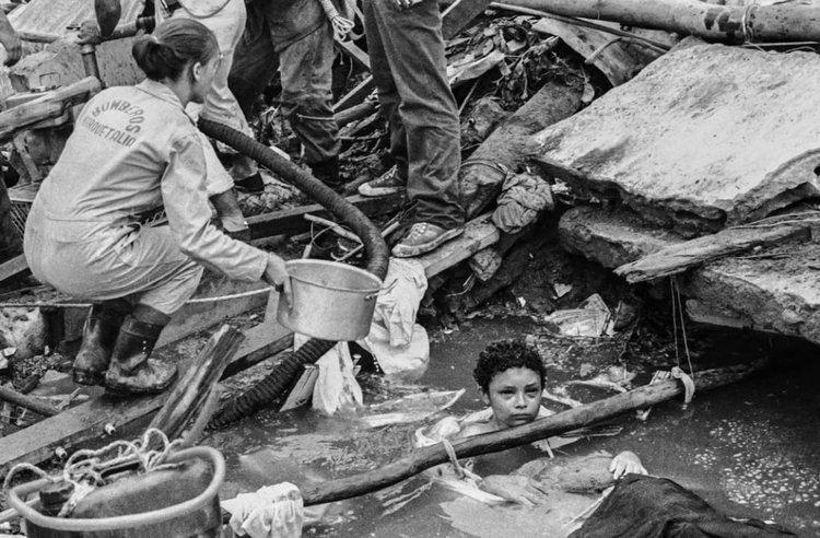Bi kịch của Omayra Sanchez và đôi mắt đen hấp hối vẫn ám ảnh cả thế giới dù cho đã 33 năm trôi qua-3