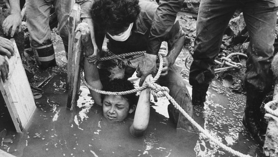 Bi kịch của Omayra Sanchez và đôi mắt đen hấp hối vẫn ám ảnh cả thế giới dù cho đã 33 năm trôi qua-2