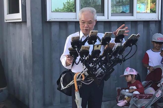 Game thủ 70 tuổi dùng 11 chiếc điện thoại để chơi Pokemon Go-3