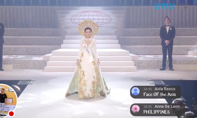 Clip Thùy Tiên bị vấp suýt ngã trên sân khấu chung kết Hoa hậu Quốc tế 2018-1