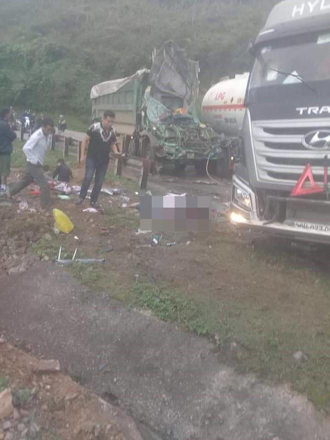 Hiện trường vụ tai nạn nghiêm trọng ở Hòa Bình khiến người đi đường ám ảnh-4