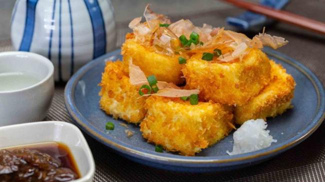 Mua đậu phụ non về và chiên xù theo cách của người Nhật đảm bảo ăn là nghiền-1