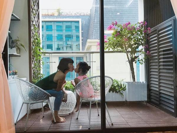 """Số phận những bà mẹ đơn thân showbiz Việt: Kẻ chanh xả"""" ngút ngàn, người chật vật thuê nhà 24m2-1"""